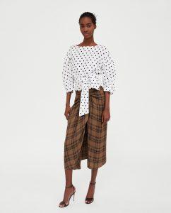 La falda midi de Zara que ha sembrado la polémica